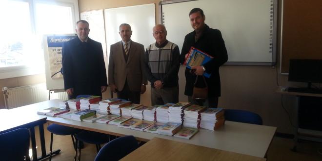"""Instituti IDEA: Donacion librash për shkollën fillore """"Marshall Tito"""" në Ulqin"""
