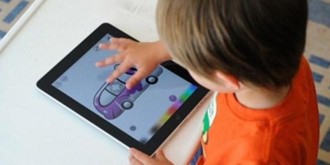 Disa mënyra efektive si ti largoni fëmijët nga teknologjia