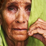 crying-grandmother-pakistan-3662997946
